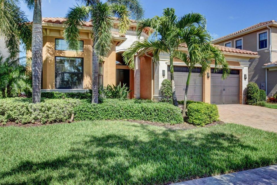 8616 Lewis River Road, Delray Beach, FL 33446
