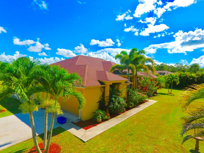 Additional photo for property listing at 13512 86th Road N  West Palm Beach, Florida 33412 United States