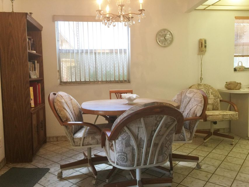 Additional photo for property listing at 69 Flanders B  Delray Beach, Florida 33484 United States
