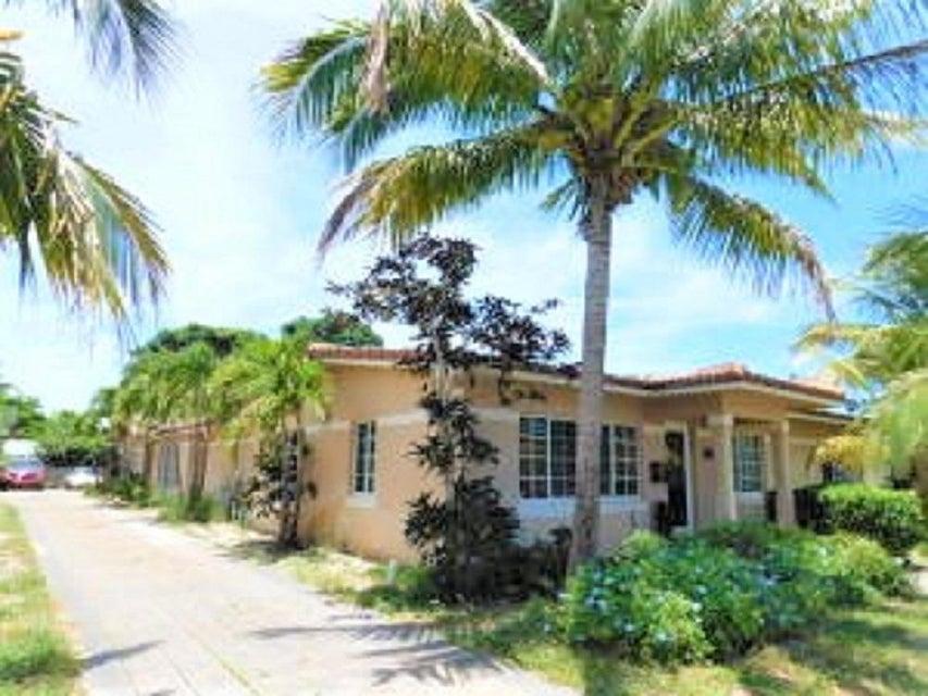 131 Alhambra Place, West Palm Beach, FL 33405