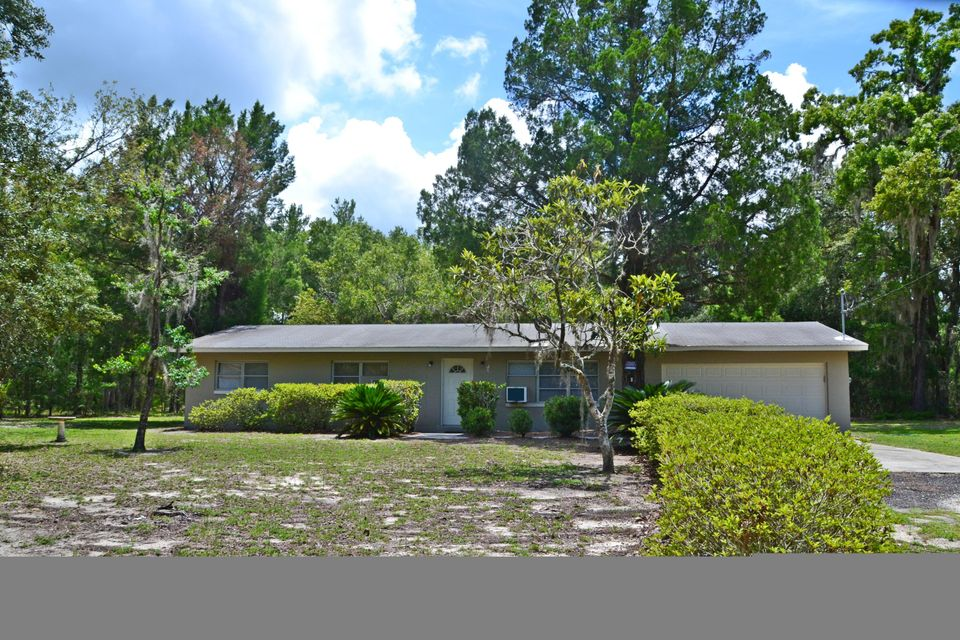 Single Family Home for Sale at 184 Charity Lane 184 Charity Lane Interlachen, Florida 32148 United States