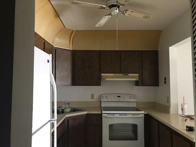 Additional photo for property listing at 424 Pine Glen Lane  Greenacres, Florida 33463 Vereinigte Staaten