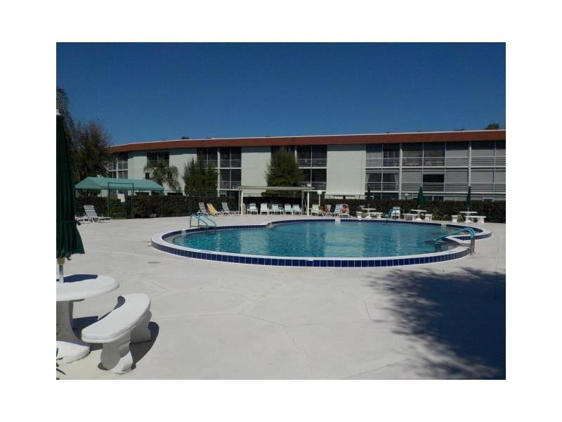 3000 Springdale Boulevard 301, Palm Springs, FL 33461