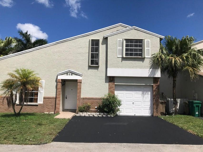 516 Danville Terrace, Davie, FL 33325