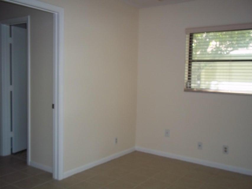Additional photo for property listing at 3842 Arelia Drive N  德尔雷比奇海滩, 佛罗里达州 33445 美国