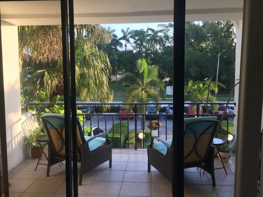 Additional photo for property listing at 1500 Presidential Way  West Palm Beach, Florida 33401 Estados Unidos
