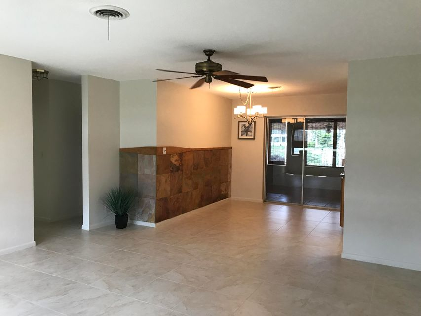 Additional photo for property listing at 1320 SW 22nd Avenue 1320 SW 22nd Avenue Delray Beach, Florida 33445 Estados Unidos
