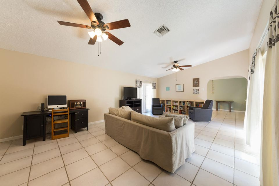 Additional photo for property listing at 387 NW 39th Way  Deerfield Beach, Florida 33442 United States