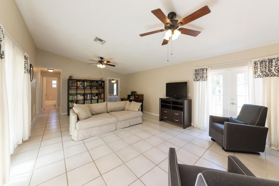Additional photo for property listing at 387 NW 39th Way  Deerfield Beach, Florida 33442 Estados Unidos