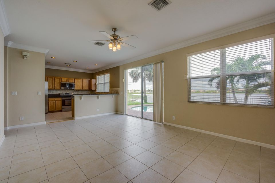 Additional photo for property listing at 1015 NW Leonardo Circle  Port St. Lucie, Florida 34986 United States