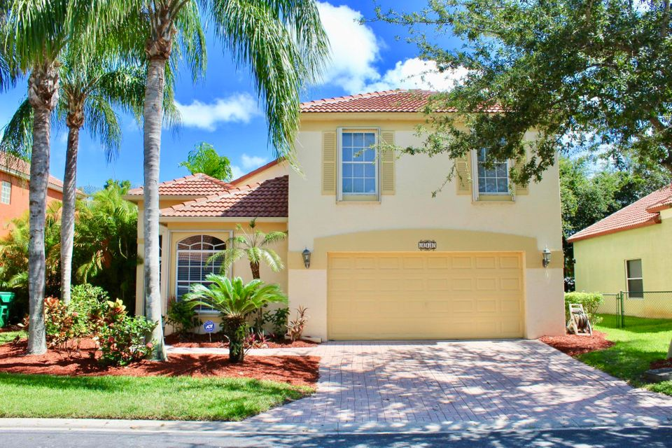 5141 Elpine Way , Palm Beach Gardens FL 33418 is listed for sale as MLS Listing RX-10348936 34 photos