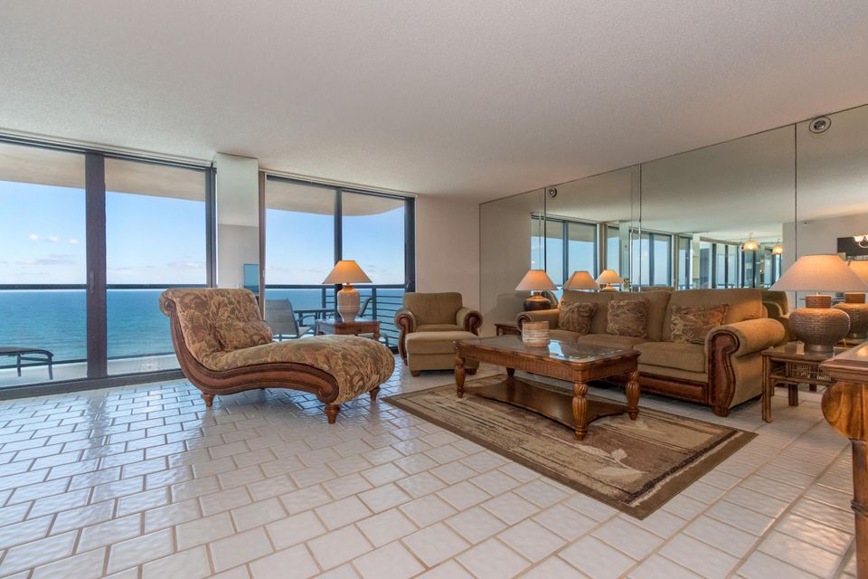 Additional photo for property listing at 250 S Ocean Boulevard  Boca Raton, Florida 33432 United States