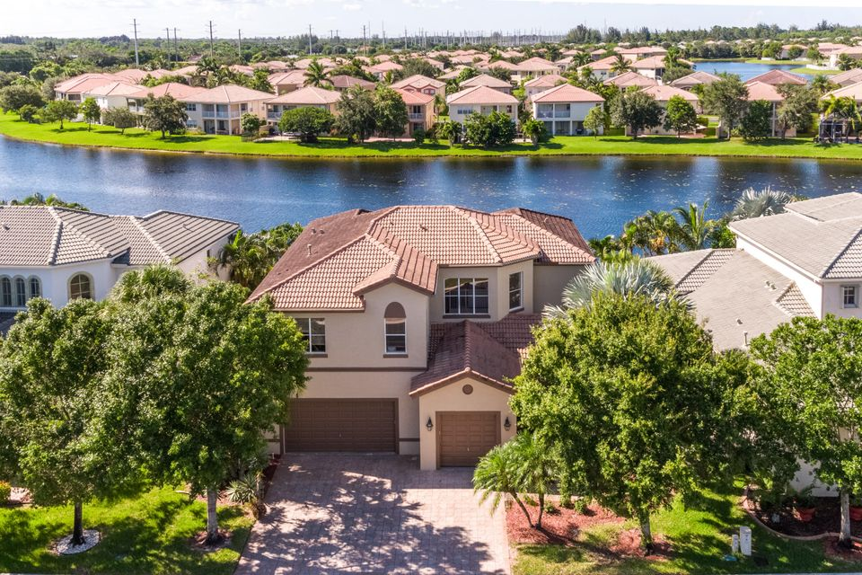 Single Family Home for Sale at 1267 Beacon Circle Wellington, Florida 33414 United States
