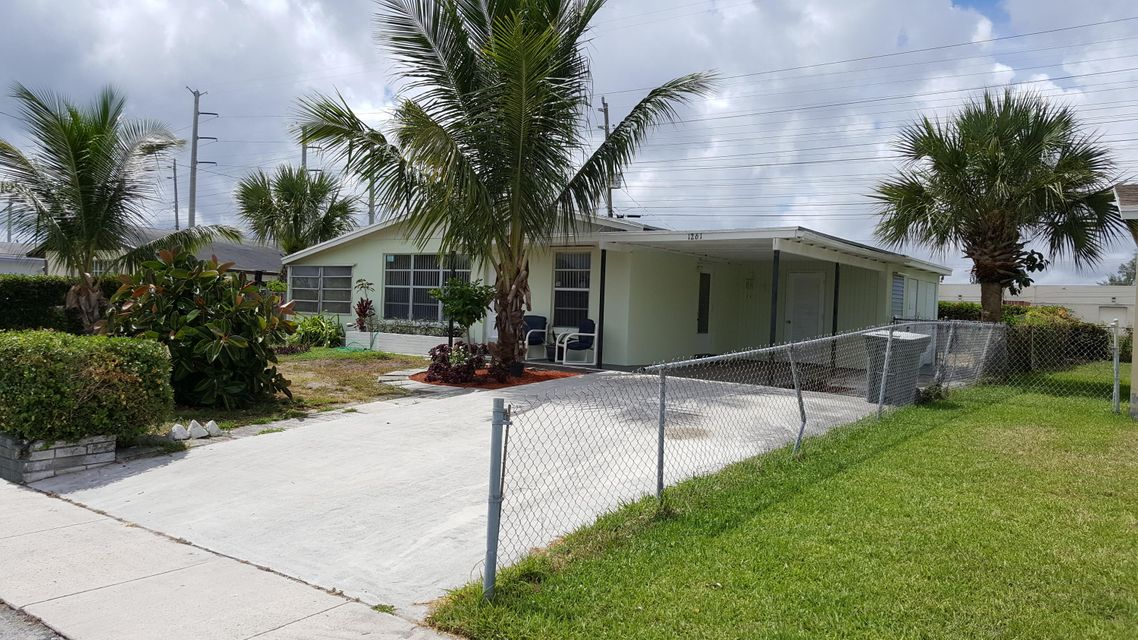 Additional photo for property listing at 1261 W 1st Street  Riviera Beach, Florida 33404 Estados Unidos