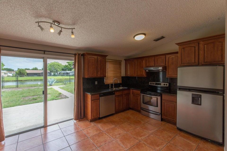 Additional photo for property listing at 5143 St John Ave S S  博因顿海滩, 佛罗里达州 33472 美国