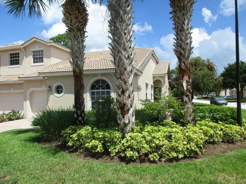 8125 Mulligan Circle, Port Saint Lucie, FL 34986