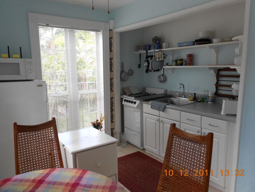 Additional photo for property listing at 722 Sunset Road 722 Sunset Road West Palm Beach, Florida 33401 United States
