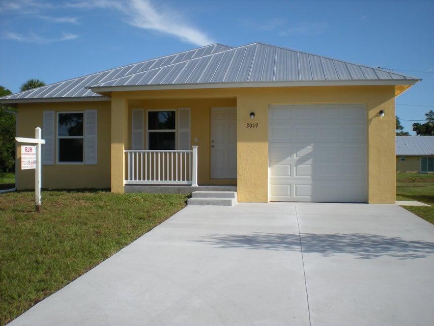 3019 SE Hawthorn Street, Stuart, FL 34997