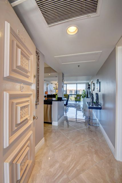 Additional photo for property listing at 2687 N Ocean Boulevard 2687 N Ocean Boulevard Boca Raton, Florida 33431 United States