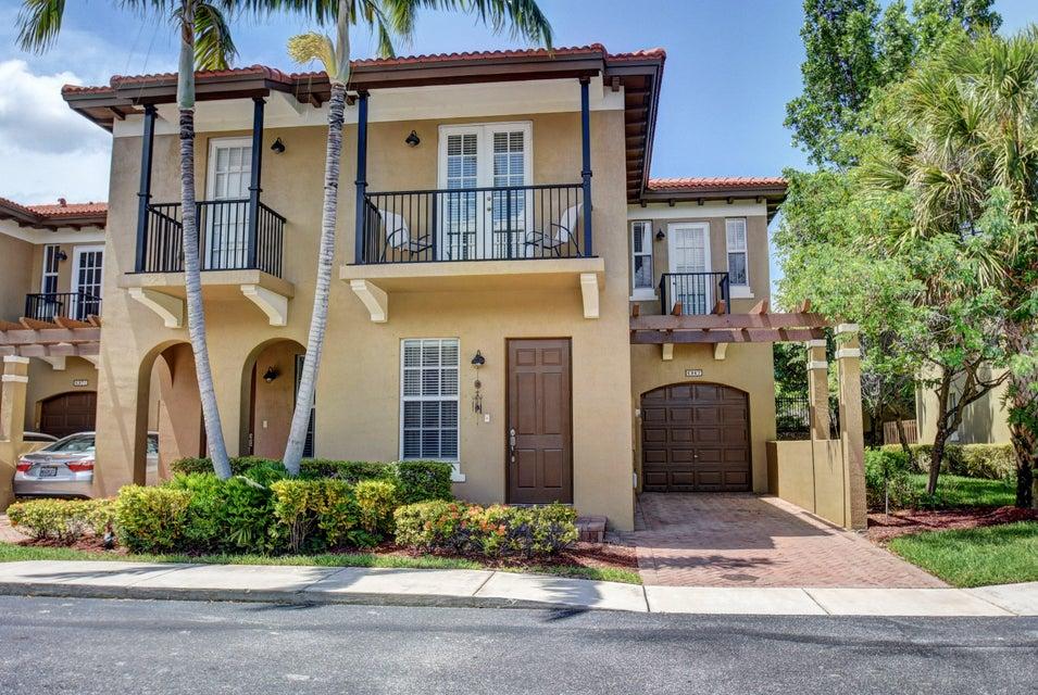 6967 Julia Gardens Drive, Coconut Creek, FL 33073