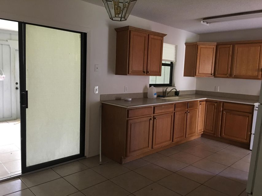 Additional photo for property listing at 5048 SE Isabelita Avenue  Stuart, Florida 34997 Estados Unidos