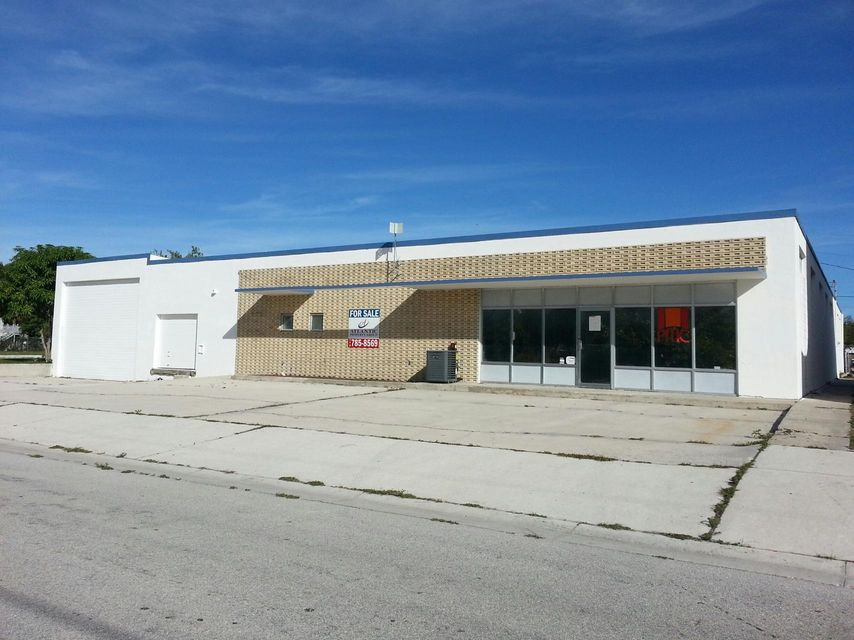 Commercial / Industrial for Sale at 602 S 5th Street 602 S 5th Street Fort Pierce, Florida 34950 United States