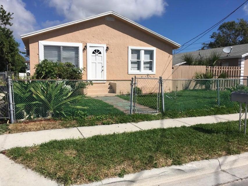 Einfamilienhaus für Verkauf beim 628 W 7 Street Riviera Beach, Florida 33404 Vereinigte Staaten