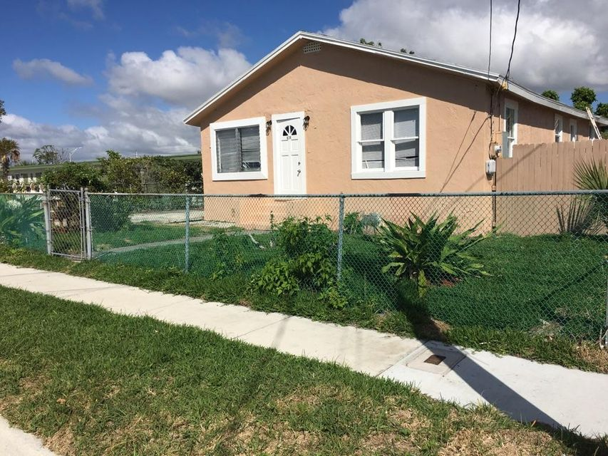 Additional photo for property listing at 628 W 7 Street  Riviera Beach, Florida 33404 Vereinigte Staaten