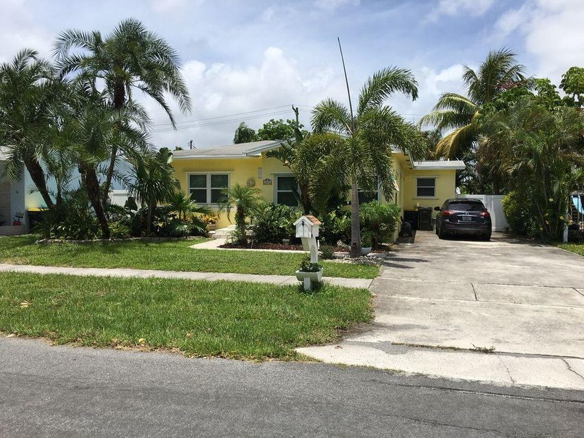 Additional photo for property listing at 817 NW 7 Avenue 817 NW 7 Avenue Dania Beach, Florida 33004 United States