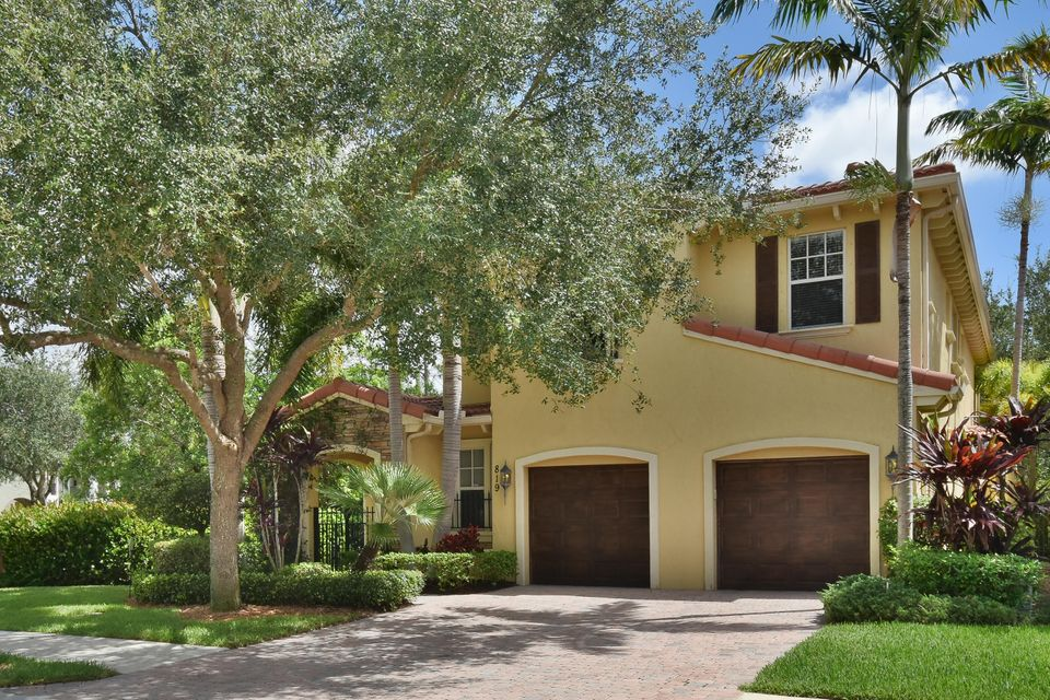 819 Madison Court, Palm Beach Gardens, FL 33410