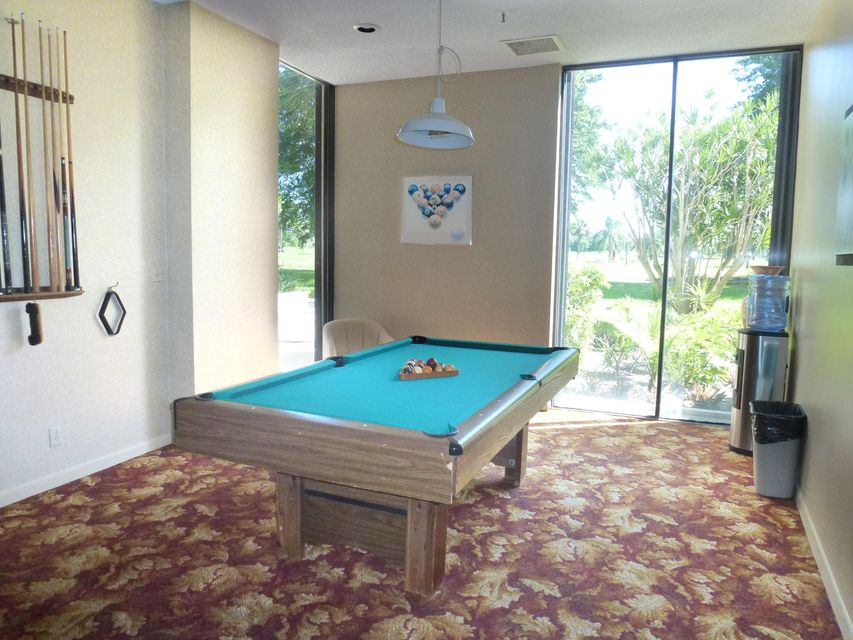 Additional photo for property listing at 2480 Presidential Way  West Palm Beach, Florida 33401 United States