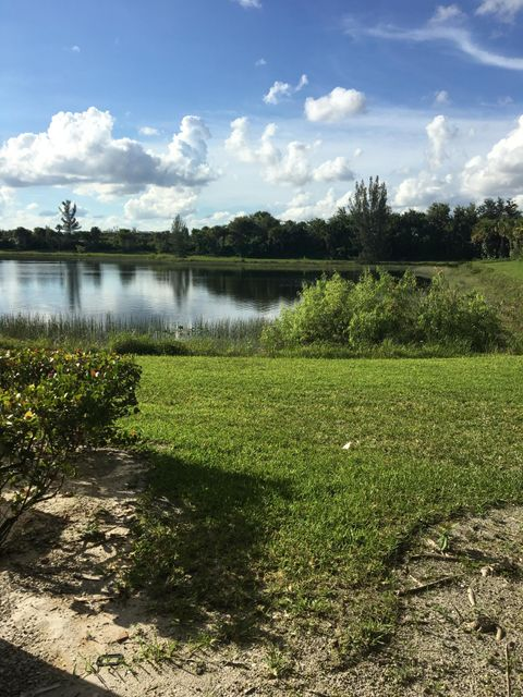 Additional photo for property listing at 1133 Golden Lakes Boulevard  West Palm Beach, Florida 33411 Estados Unidos