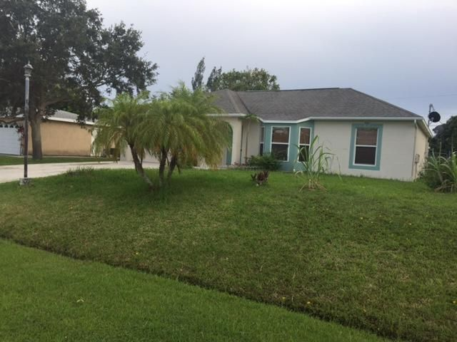 Additional photo for property listing at 1718 SE Aires Lane  Port St. Lucie, Florida 34984 Estados Unidos