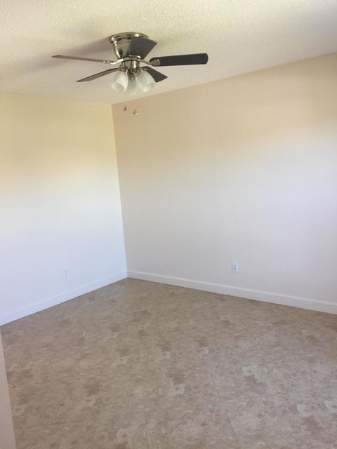 Additional photo for property listing at 797 SW Curry Street 797 SW Curry Street Port St. Lucie, Florida 34983 United States
