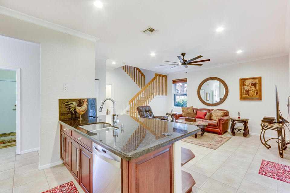 Additional photo for property listing at 6548 Constance Street  Lake Worth, Florida 33467 États-Unis