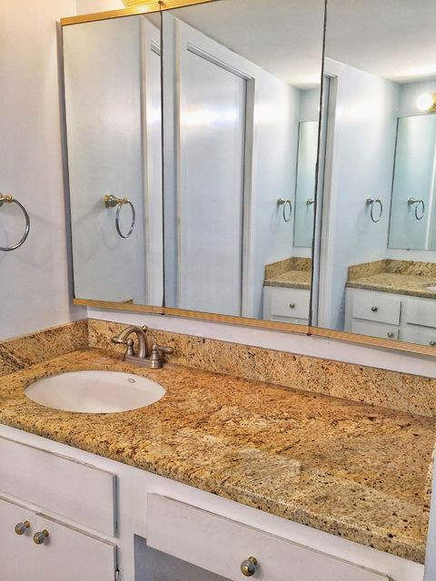 Additional photo for property listing at 5460 N Ocean Drive  Singer Island, Florida 33404 États-Unis