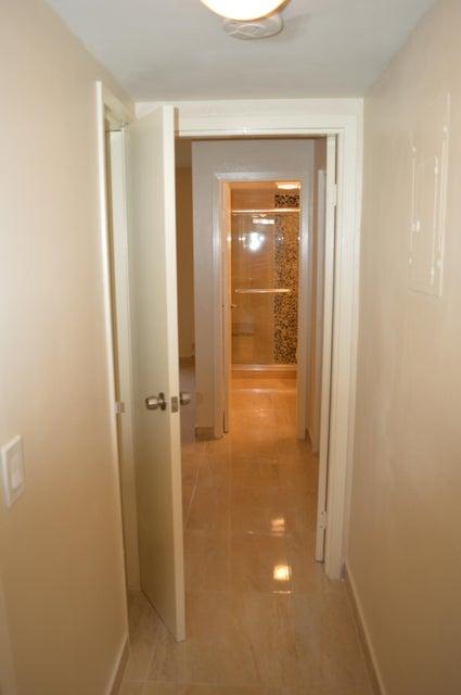 Additional photo for property listing at 2300 NE 1st Lane  Boynton Beach, Florida 33435 Vereinigte Staaten