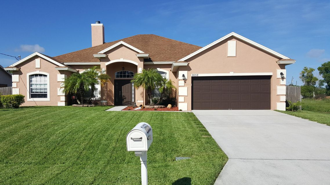 Additional photo for property listing at 2658 SW Monterrey Lane 2658 SW Monterrey Lane Port St. Lucie, Florida 34953 États-Unis