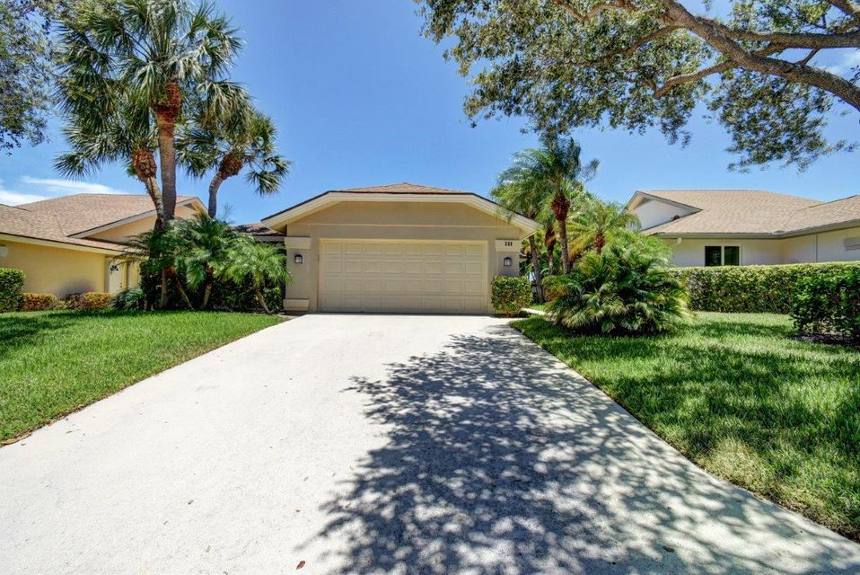 Additional photo for property listing at 225 Ridge Road 225 Ridge Road Jupiter, Florida 33477 United States