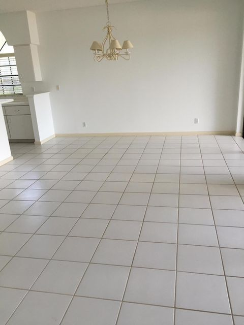 Additional photo for property listing at 8033 Aberdeen Drive  Boynton Beach, Florida 33472 Vereinigte Staaten