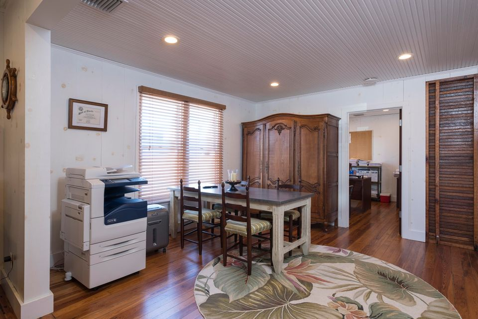 Additional photo for property listing at 313 SW Albany Avenue  Stuart, Florida 34994 États-Unis