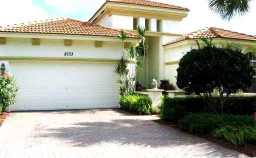 8733 Via Grande E, Wellington, FL 33411