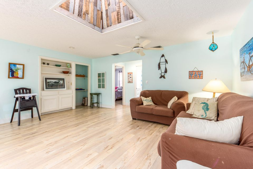 Additional photo for property listing at 2636 NE Cypress Lane  Jensen Beach, Florida 34957 États-Unis