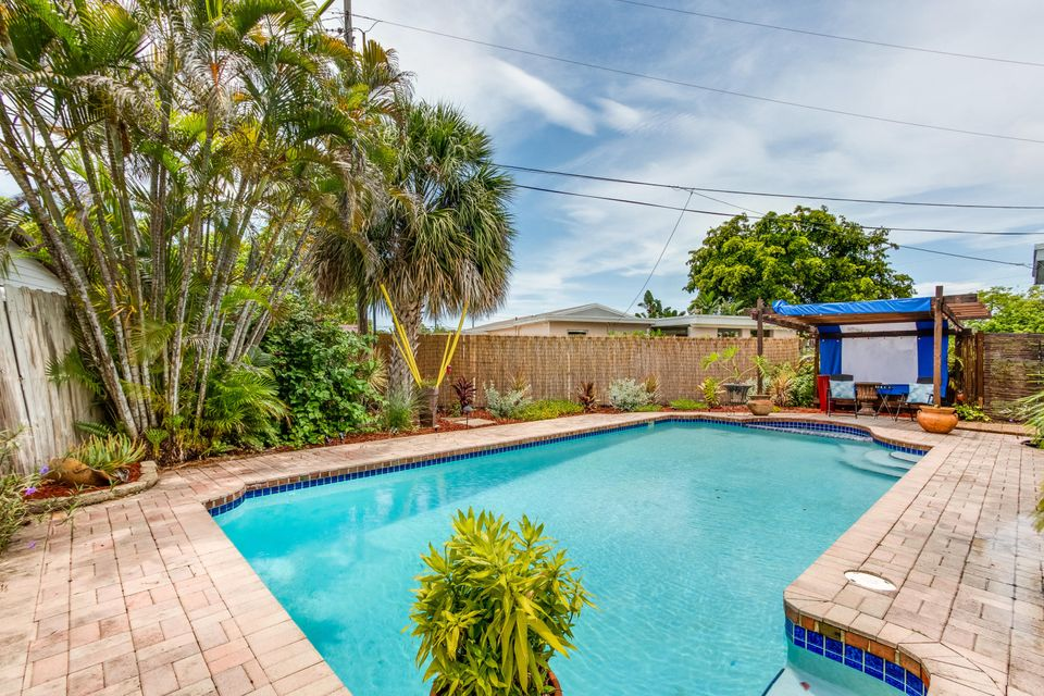 Additional photo for property listing at 4000 NW 3rd Way  Deerfield Beach, Florida 33064 Vereinigte Staaten
