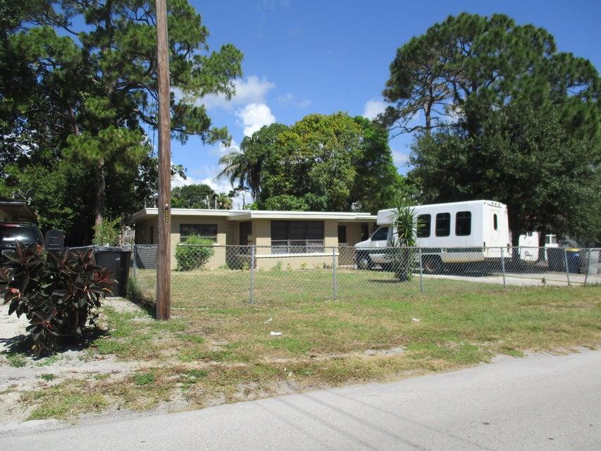 203 N 21st Street  Fort Pierce FL 34950