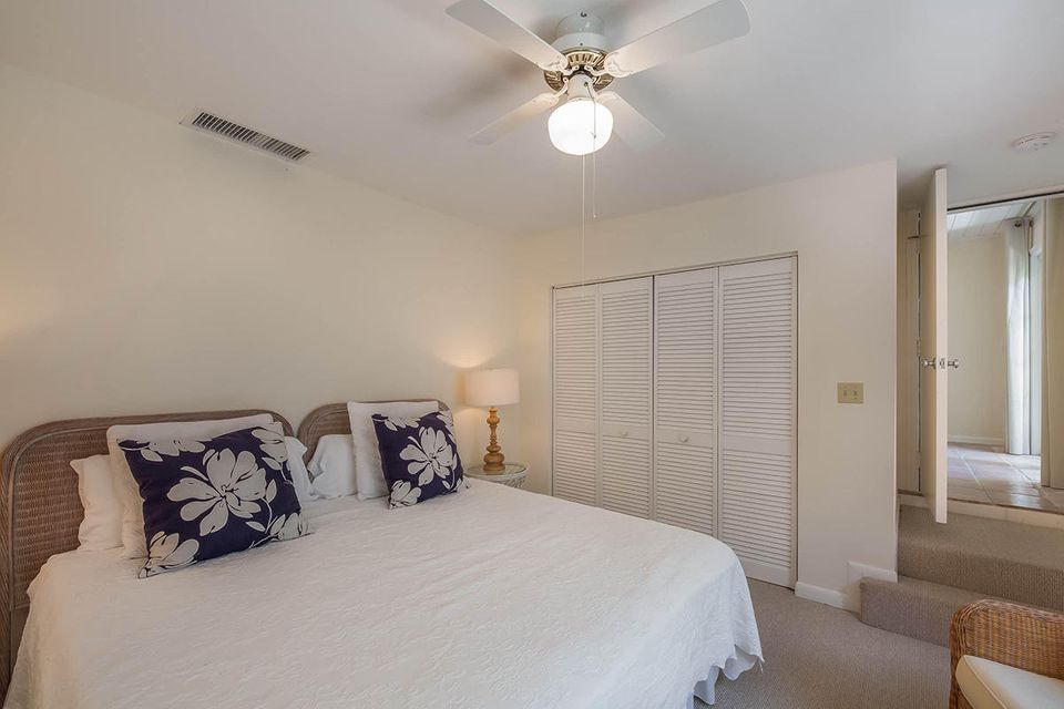 Additional photo for property listing at 234 Merrain Road  Palm Beach, Florida 33480 États-Unis