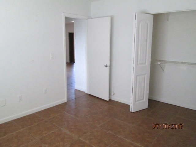 Additional photo for property listing at 4785 Foxwood Circle  West Palm Beach, Florida 33417 United States