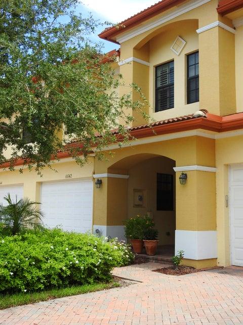 Townhouse for Sale at 6642 SE Woodmill Pond Lane Stuart, Florida 34997 United States