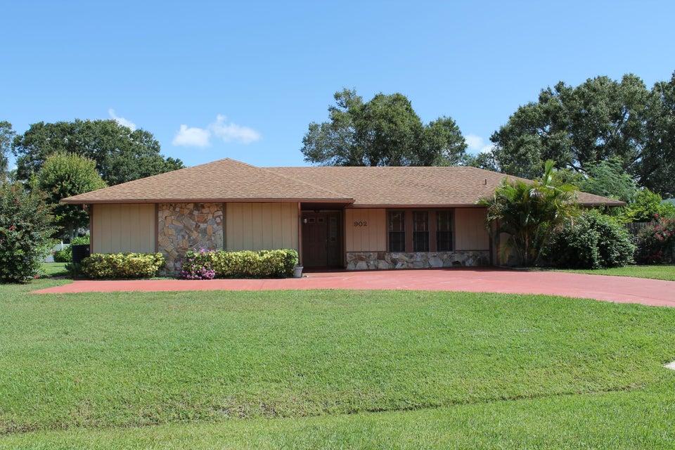 902 Ibis Avenue, Fort Pierce, FL 34982
