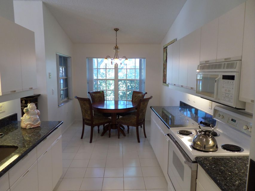 Additional photo for property listing at 10112 Andover Coach Circle 10112 Andover Coach Circle Wellington, Florida 33449 États-Unis